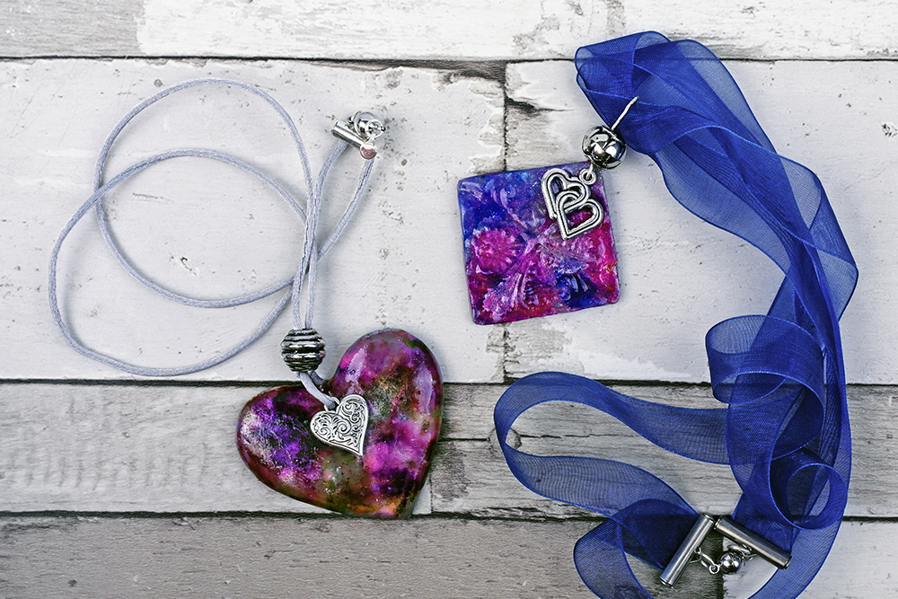 Using alcohol inks on polymer clay to create colourful jewellery
