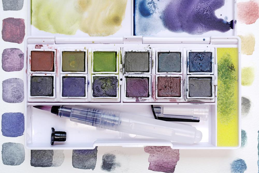 Derwent Graphitint Travel Paint Pan Set Colour Selection Close Up