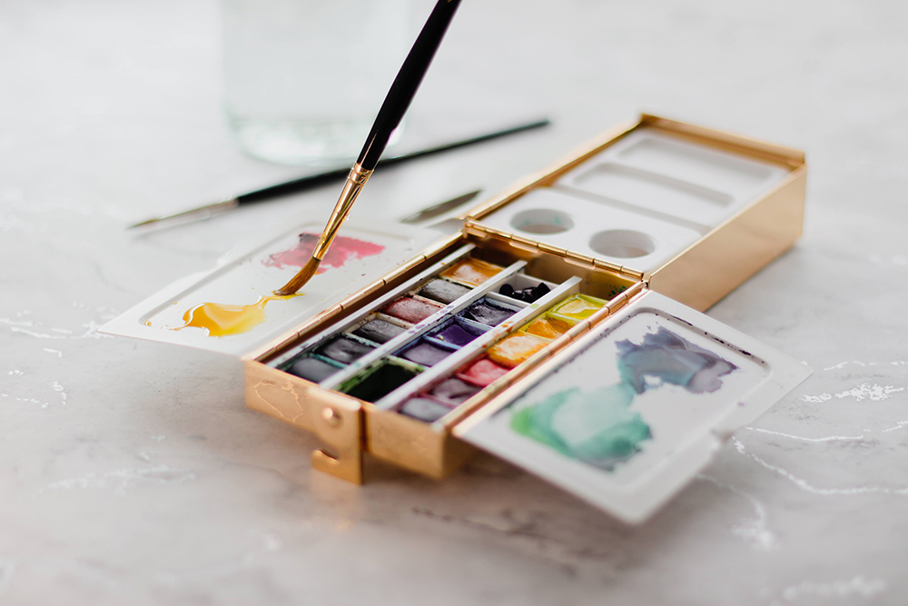 Mixing watercolour paint on the Frazer Price Watercolour Palette Box