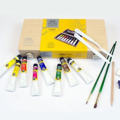 Winsor & Newton Galeria Wooden Box Set